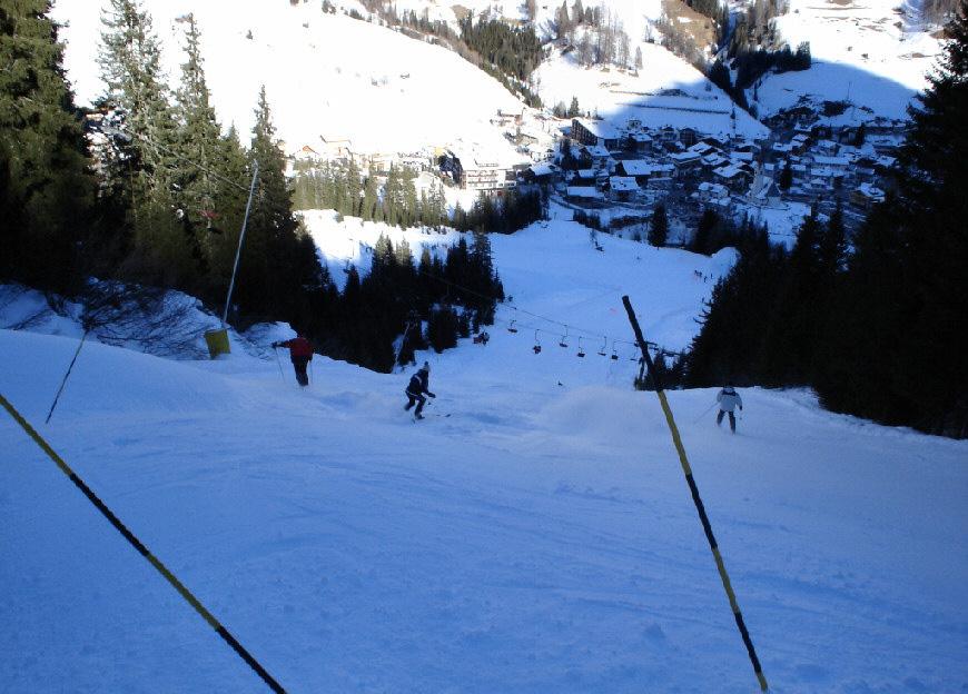 <span>non fate divertire troppo gli sciatori che salgono in seggiovia !</span>